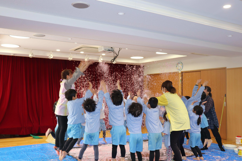 ジョイフル守山保育園_20200323_年長児、最後の共同制作「桜」_4
