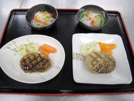 ハンバーグ・春雨の和え物 左:普通食 右なめらか食